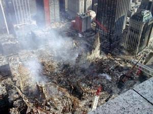 Die Reste des World Trade Centers am 12.9.2001 | Foto Creative Commons