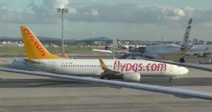 Jets vor Terminal 2 des Flughafens FRA